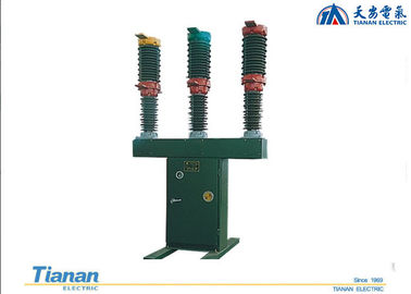 Outdoor HV Porcelain Stanchion Type Vacuum Circuit Breaker Filled With SF6